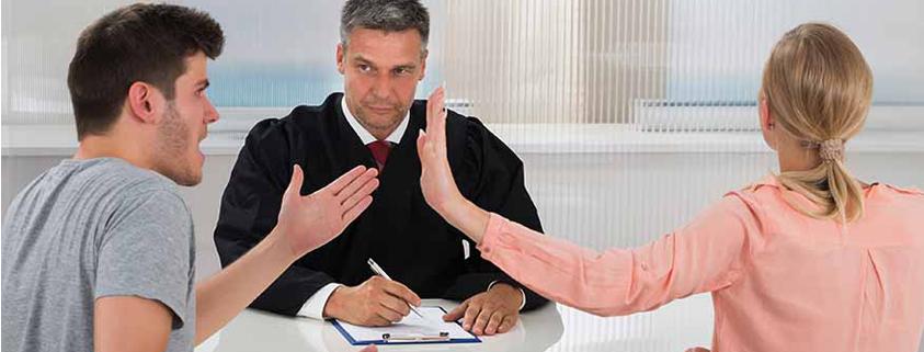 MUJER Y HOMBRE DIVORCIO ABOGADO DE FAMILIA
