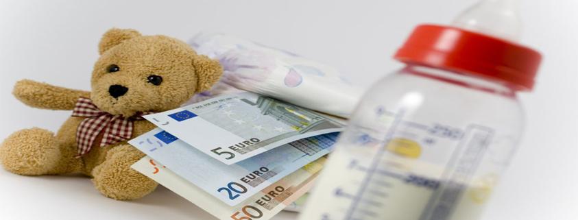 dinero y juguete pensión de alimento
